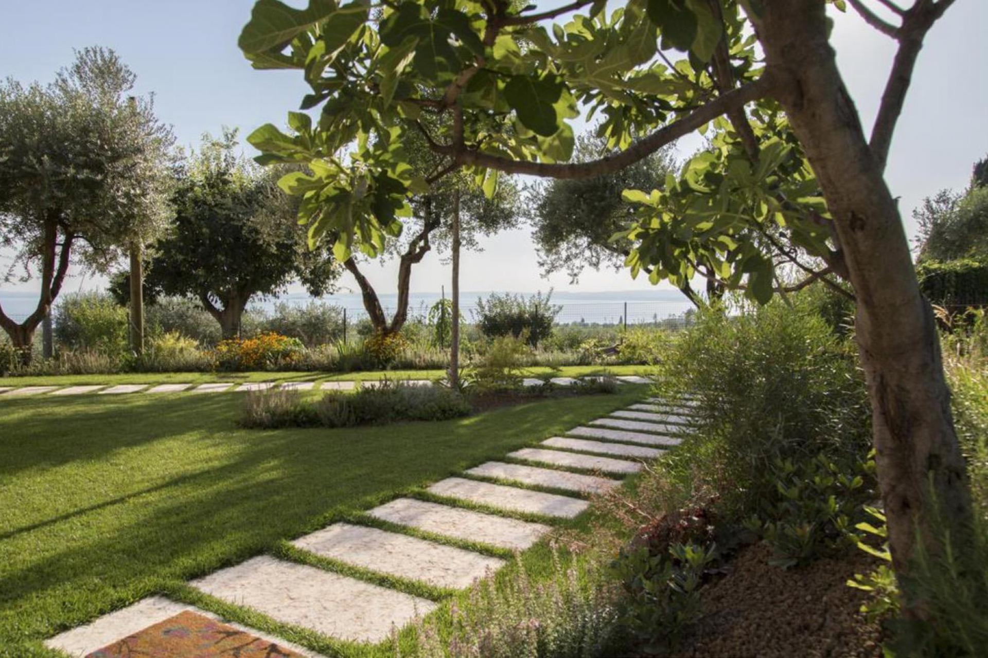 Agriturismo Comer See und Gardasee Gemütlicher Agriturismo mit Blick auf den Gardasee