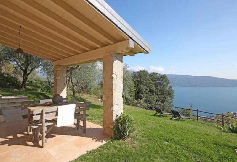 Agriturismo Comer See und Gardasee Landhaus Gardasee, mit Pool und Blick auf den See